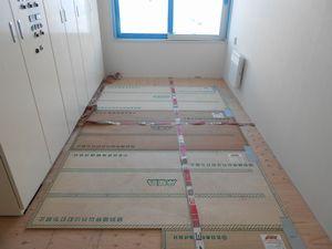 施工写真 木質床暖パネル2